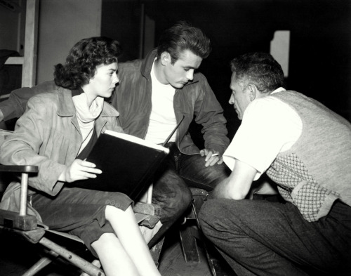 awesomepeopleinmovies:  Natalie Woods, James Dean and Nicholas Ray discussing a scene on the set of Rebel Without a Cause, 1955