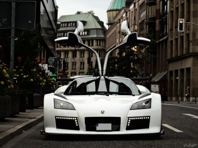 formulavelocity:  White Gumpert Apollo S