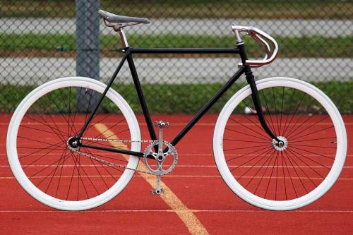 by Andrea Bonfanti Gitane via Fixed Gear Gallery
