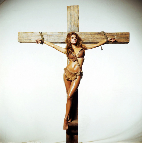 Raquel Welch shot by Terry O'Neill to publicize One Million Years B.C. (1966)