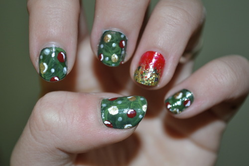 My nails this week! Marbled garland/tree nails with some festive glitter ombre!