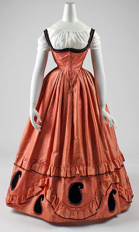 Dress, 1860-63 US, the Met Museum