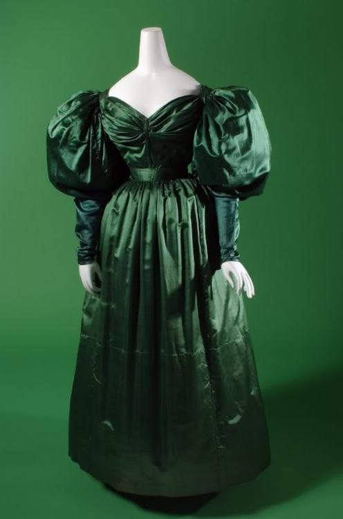 Evening dress, ca 1830 England