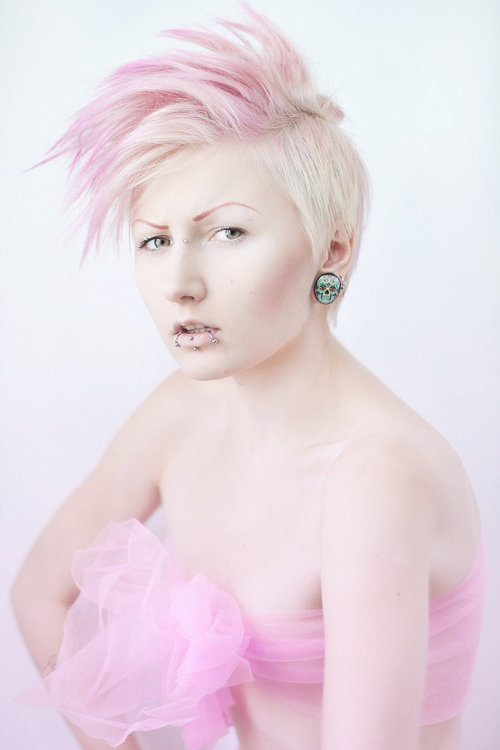 (via pink by ~bluexspace on deviantART)