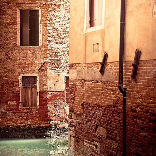 wanderlust-in-blue:  Travel / Italy / Venice / Buildings (by ►CubaGallery)
