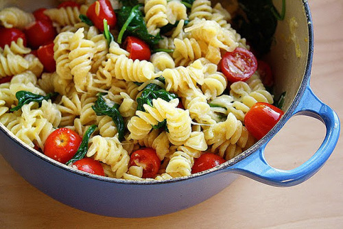 flatabsandthighgaps:  You can have pasta; just pair it with veggies and nomnoms that are good for you!:D