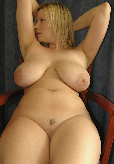 bigmeloned:  Thick blonde with big lovely boobs.