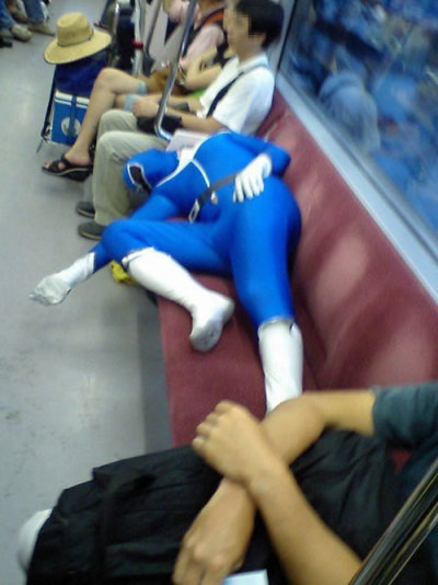 cosplayhell:  must be hard being … a power ranger?