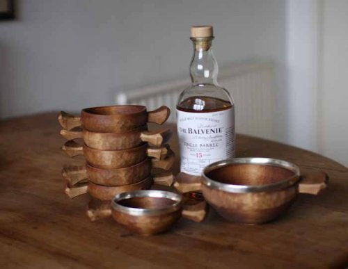 That is the scotch my husband likes.  betweenthewoodsandthewater:  Want.