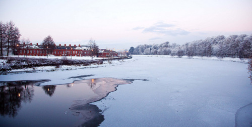 christmas eve on the lagan by scarlito (Ryan Wilson) on Flickr.
