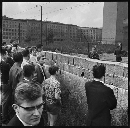 Lost Negatives of Berlin 1960s - Photographed by Don McCullin / A full set can be found here…