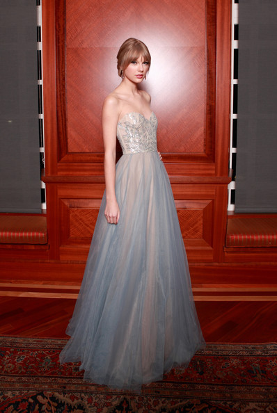 Taylor Swift in Reem Acra at the 2011 Nashville Symphony Awards.