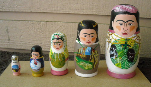 These Russian Nesting Dolls are probably #1 on my Top 10 Frida Kahlo Wants (via Frida Kahlo Nesting Dolls by ImaginaryStars on Etsy)