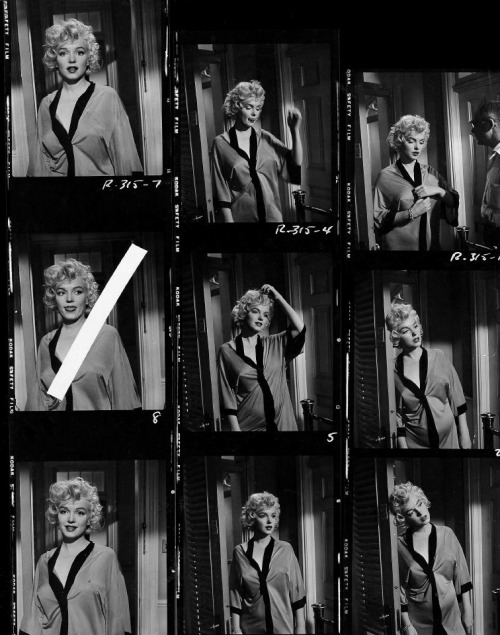 oldhollywood:  Marilyn Monroe & Billy Wilder in contact sheets for Some Like it Hot (1959)