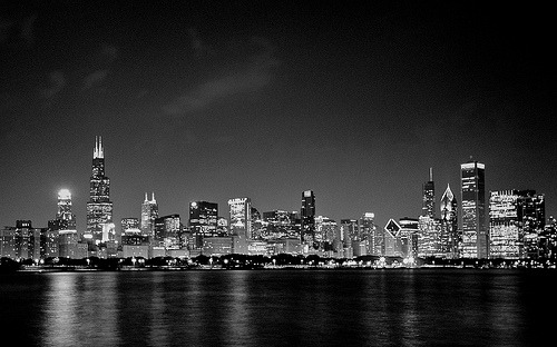 razorbladesalvations:  Chicago Night Skyline (by Ryan Bosco)   I like that man. It gives me the feeling it has no emotion, no expression at all. Fun.