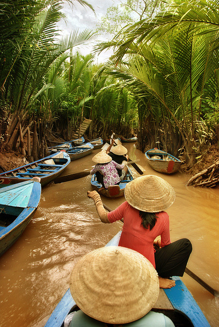 travelingcolors:  Dash of Oars | Cambodia (by fesign on Flickr | via tapio-ca)