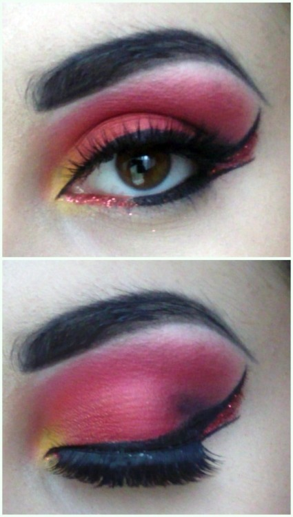 I really have no idea how i ended up with this look haha XDhttp://scarlethallow.tumblr.com/
