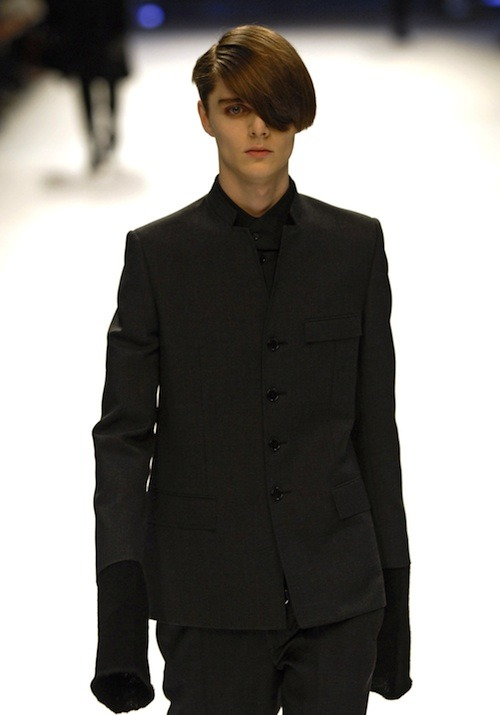 drkshdw:  hedi suit with kva hat, please
