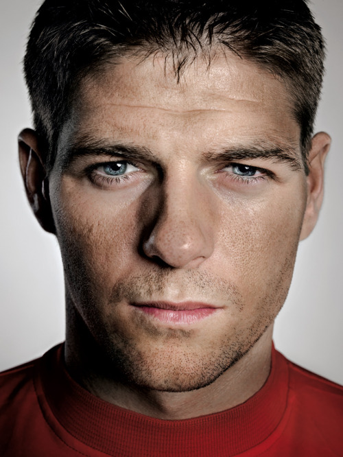 Steven Gerrard photo by Alex Telfer.