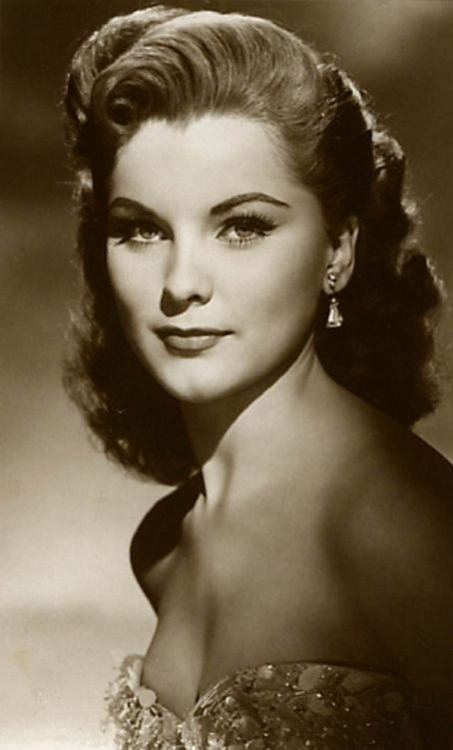 fortheloothoney:  Debra Paget