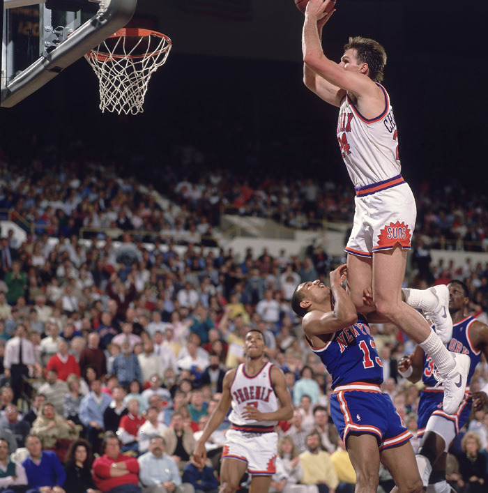 Tom Chambers catches Mark Jackson with his hands down.  Mama, there goes that YouTube clip.  @Suga_Shane