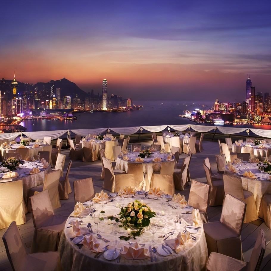 travelingcolors:  zeds: Harbour Grand Hotel, Hong Kong