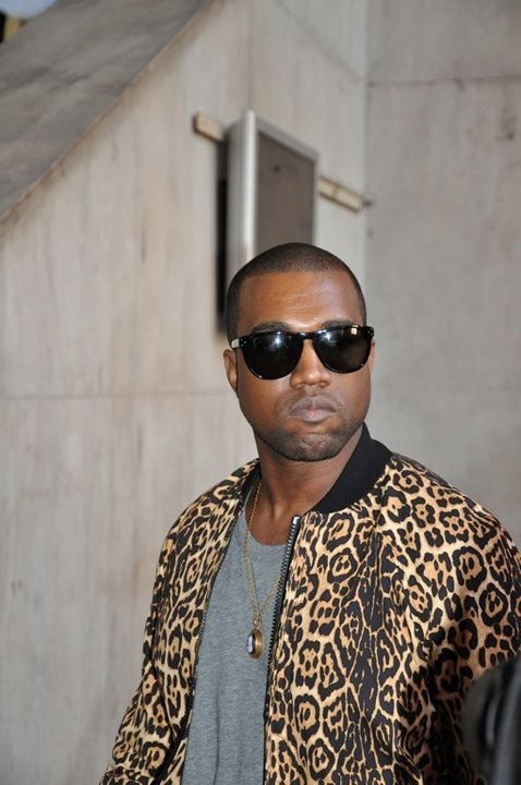 revoult:  cluubsoda:  so stylish  Kanye is just fucking amazing.