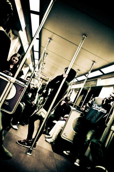 capturing a scene - life on the @MetroLosAngeles #NOHO #REDLINE