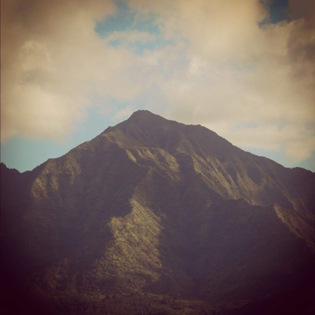 This is Nael Nacer. Well, this is a Mountain. But I feel like this sometimes, so maybe I am a Mountain. This photo is the work of Nael Nacer. He makes beautiful things more beautiful.