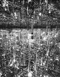 lossycompression:  Lucas Samaras - Mirrored Room - 1966