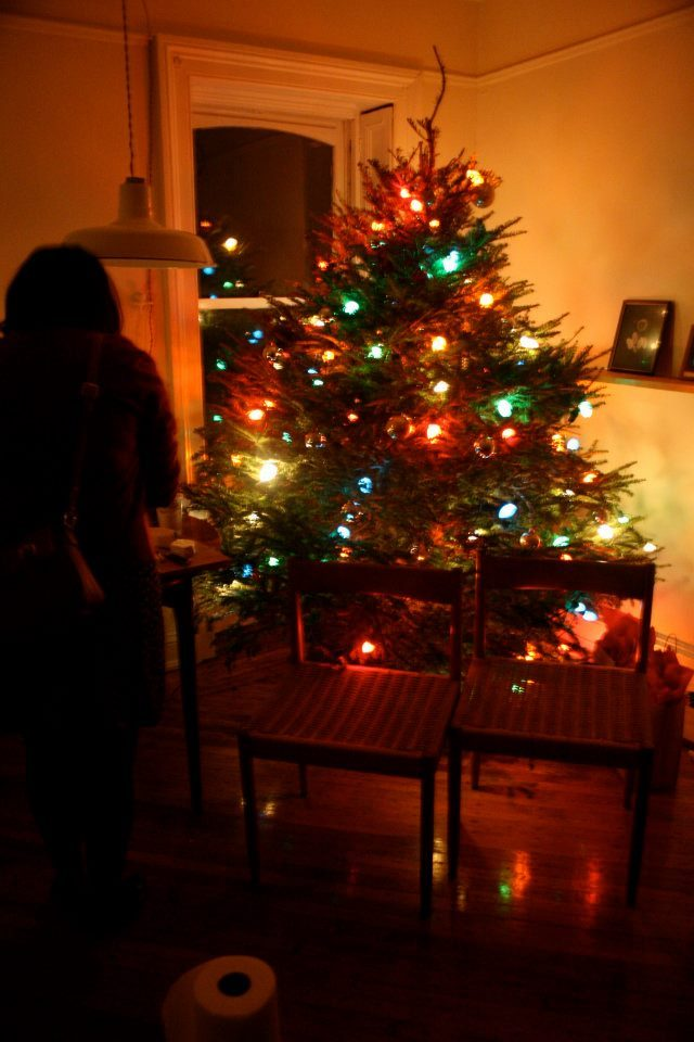 Christmas tree syndrome: A new study from State University of New York's Upstate Medical  University suggests that our beautiful, festive Christmas trees are  actually making a lot of unsuspecting Christmas revelers ill, sometimes with dangerous, long-term health problems.