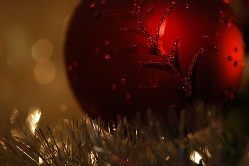 weheartchristmas:  Christmas Ball Ornament (by E.Stanger1)