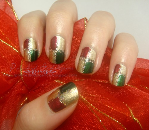 Some Christmas checkerboard nails to take the Scrooge/Grinch out of you! :)