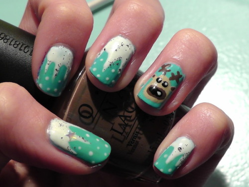 Check out Beautylish Beauty Alejandra G.'s adorable reindeer nails!