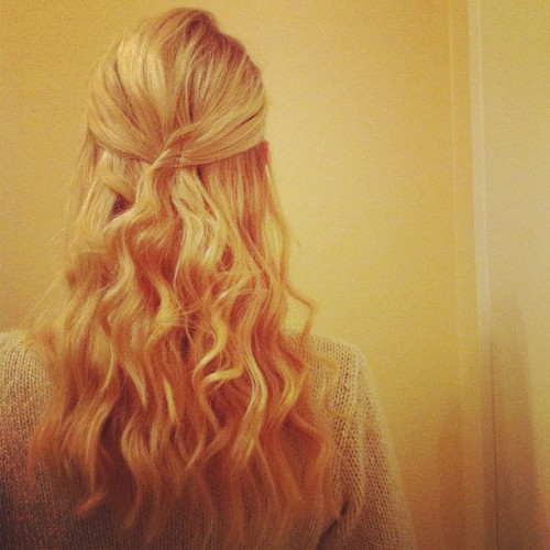 #hair#style#beauty#fashion#curly#wavy#put-back#girl#me#blonde#swedish#russian#posing#timer#iphone#photography  (Taken with instagram)