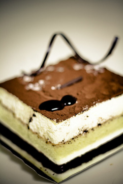 Tiramisu by stuckinseoul on Flickr.
