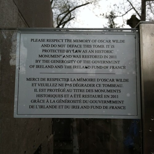 Respect the memory of Oscar Wilde. (Taken with instagram)