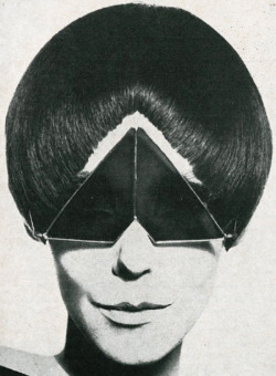 spaceageplanet:  Model Peggy Moffitt