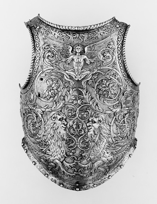 noncredo:  Steel breastplate, embossed, etched and gilded, by Giovanni Negroli, c. 1540-1545 Metropolitan Museum of Art