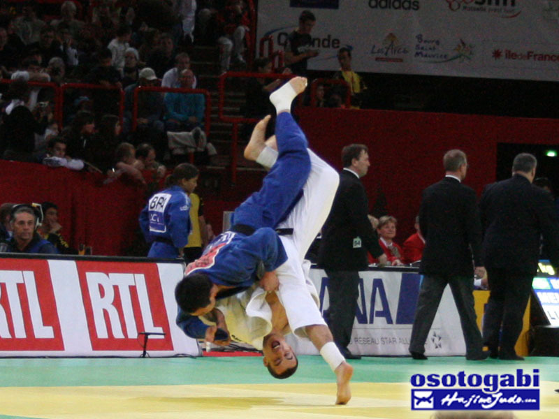 Beautiful throw, beautiful photo! So who threw who? judogame:  uchi mata