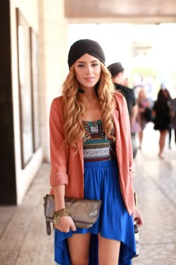 (via style / that's so carrie bradshaw! <3 (who took this pic? who is she? is she on lookbook.nu or chictopia?))