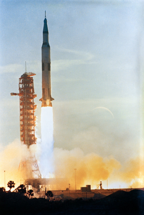 commandmodulepilot:  Remembering Apollo 8 - Launched this day 43 Years ago.  Insert rocket sounds I'm making with my mouth right now.