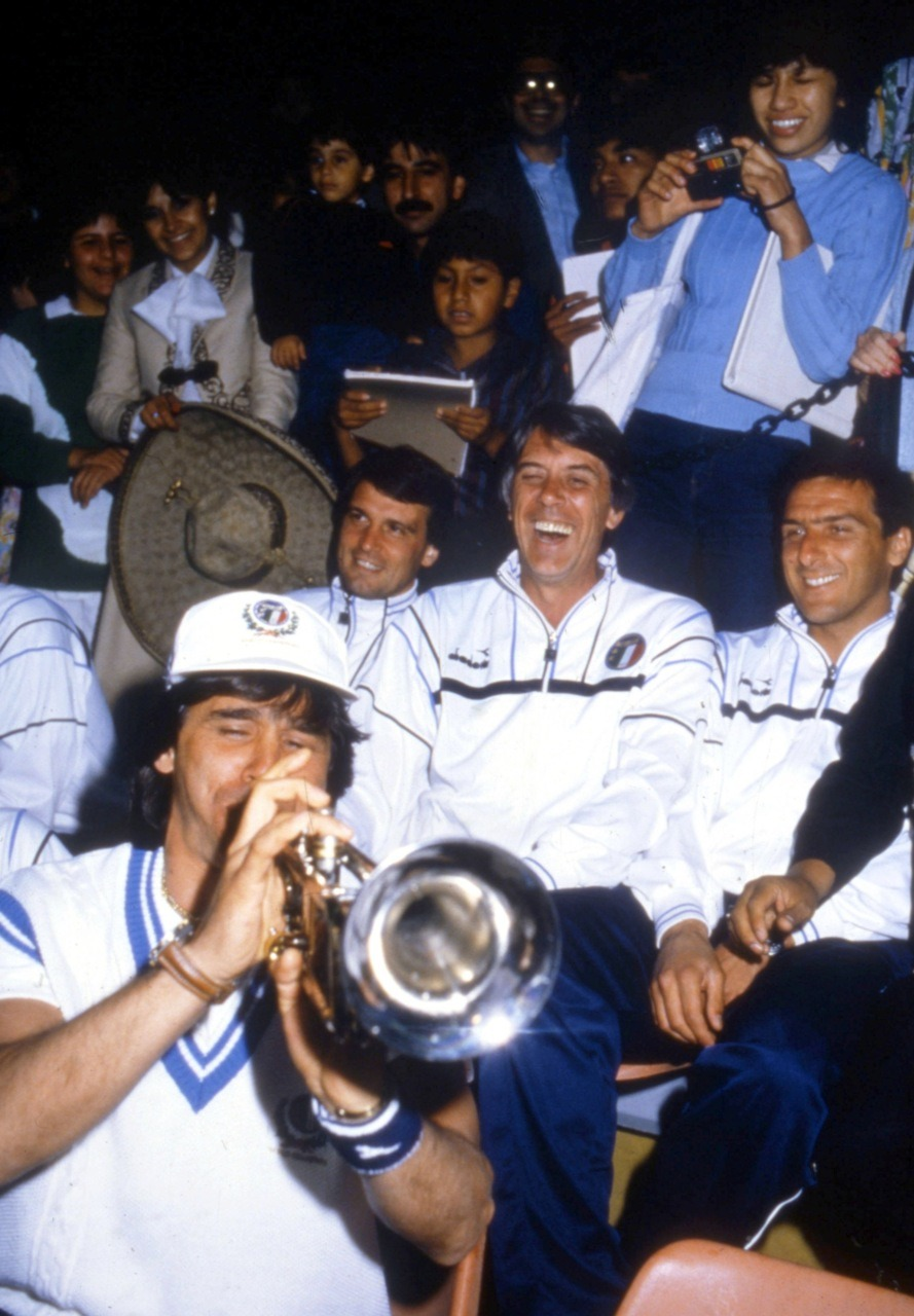 Conti, Tardelli, Maldini and Scirea, enjoying themselves at World Cup 1986.