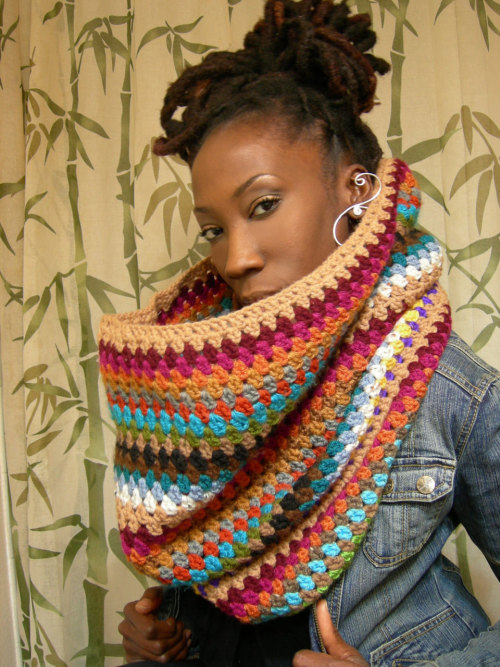 Very rarely do I see crochet that doesn't make me cringe. This is too cute. I.WANT. (too bad I'm on a budget)