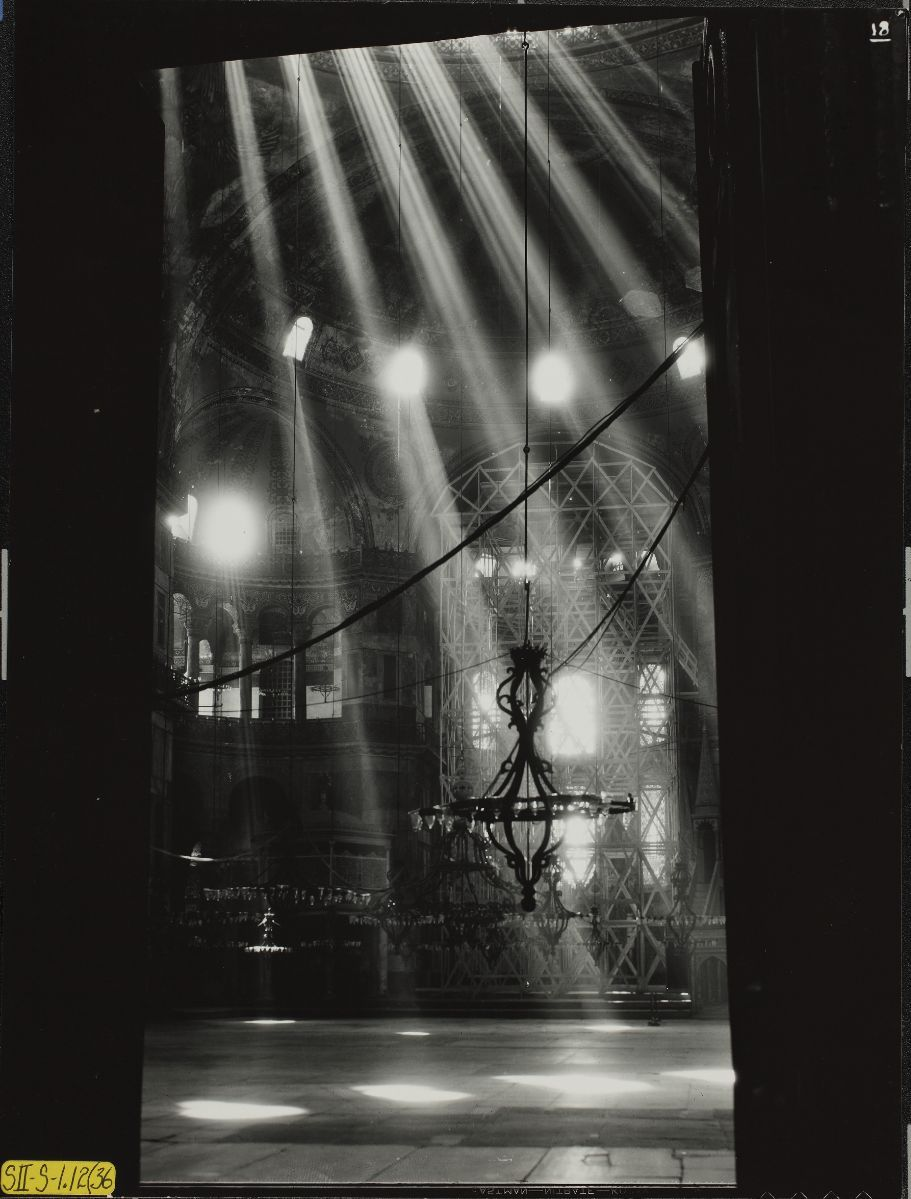 Conservation of Hagia Sophia mosaics, Istanbul, 1931-1964. Study of Light. Study of light, view north northeast of northeast exedra, apse, and dome light from narthex. 1936 here