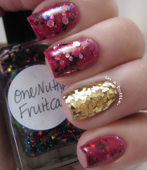 gemsinabottle:  Check out more pics of this fetive jelly sandwich mani on Gems in a Bottle! Natalie <3