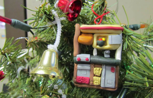 New blog post: Ornament Keepsakes of Favorite Toys Make Parting with Them Easier Leanne, owner and editor of the blog Rave and Review, turns her kids favorite Step2 toys into ornaments as fun keepsakes to remember days of play