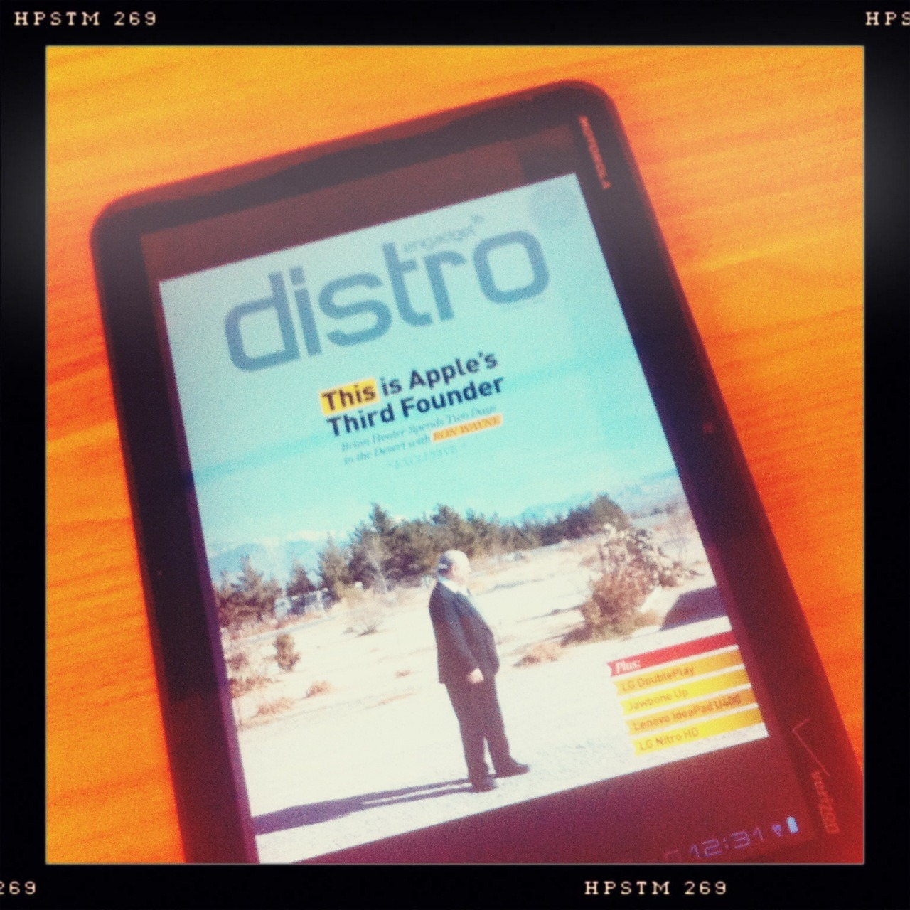 Distro hits Android Marketplace Helga Viking Lens, Pistil Film, No Flash, Taken with Hipstamatic
