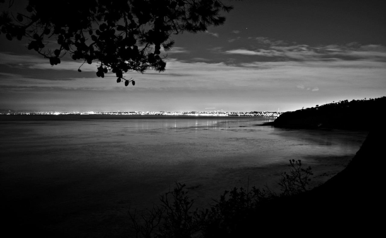 joshsquash:  Rancho Palos Verdes, CADecember 2011  A new spot my best friend took me too. You can see the whole coast from the Northern side of Palos Verdes all the way to Malibu (maybe further) and Downtown Los Angeles—-  JoshuaRobert Photography