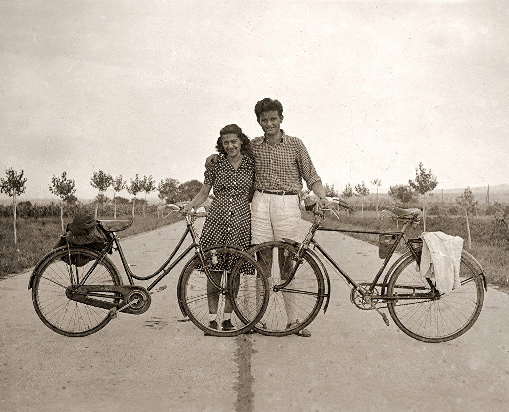 hepkitty:  1943 Bike Riding